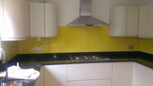 bespoke glass splashbacks in kent designed fitted and installed