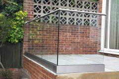 Corner Glass (3)