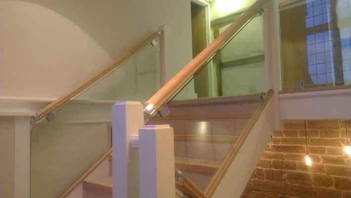 glass balustrade instillation