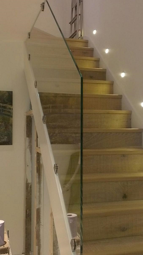 glass staircase balustrades